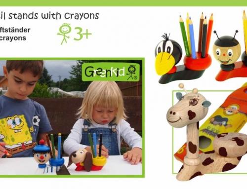 Porte-crayons avec crayons en couleur