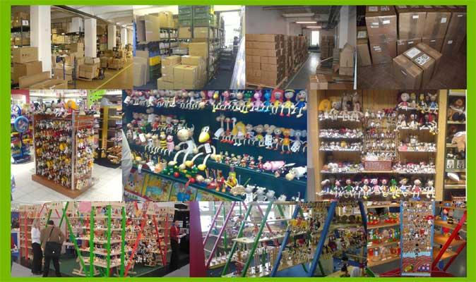 Abafactory - fabricant de jouets en bois tchèques - salle d´échantillons et stock de produits.