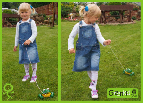 Jouets en bois à tirer marque Greenkid. Petite grenouille en bois à roulettes, produit tchèque Abafactory pour enfants.